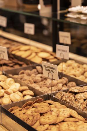 Bon Marche Comptoir Biscuits Maison Dandoy